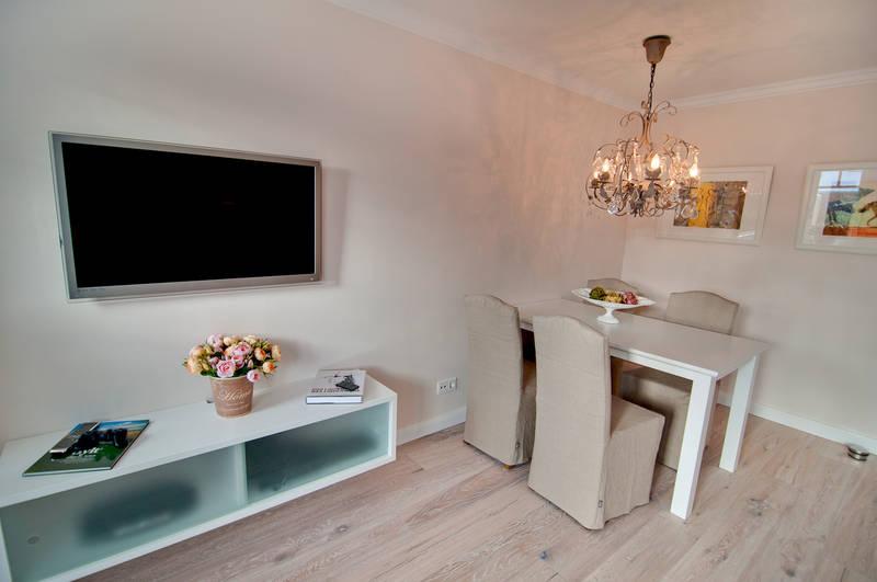 94 esstisch in wohnzimmer prchtig modern wohnzimmer design esstisch couch tisch fr. Black Bedroom Furniture Sets. Home Design Ideas
